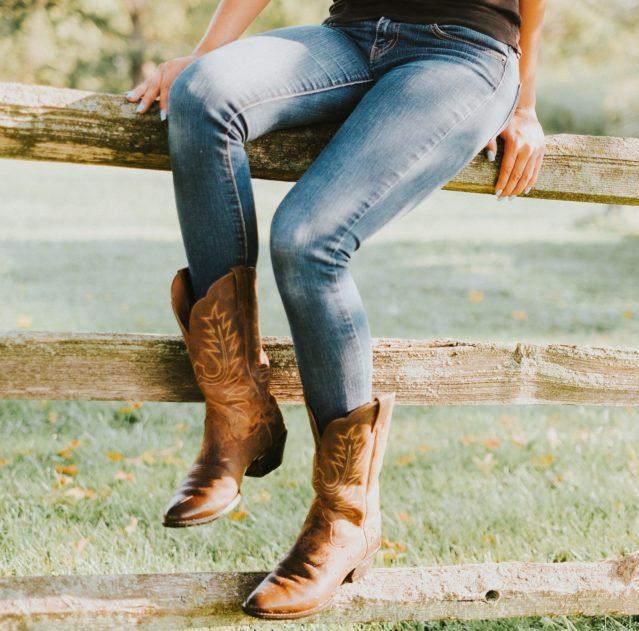 Как носить сапоги? 8 модных моделей наступающего сезона