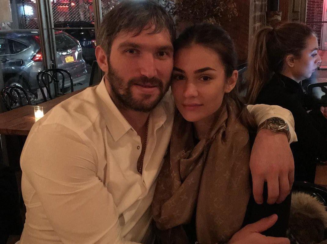 «Ребенок будет спать отдельно»: Александр Овечкин и Анастасия Шубская уже ищут няню