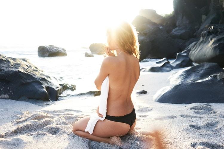 Как изящно выглядеть на пляже, независимо от типа фигуры