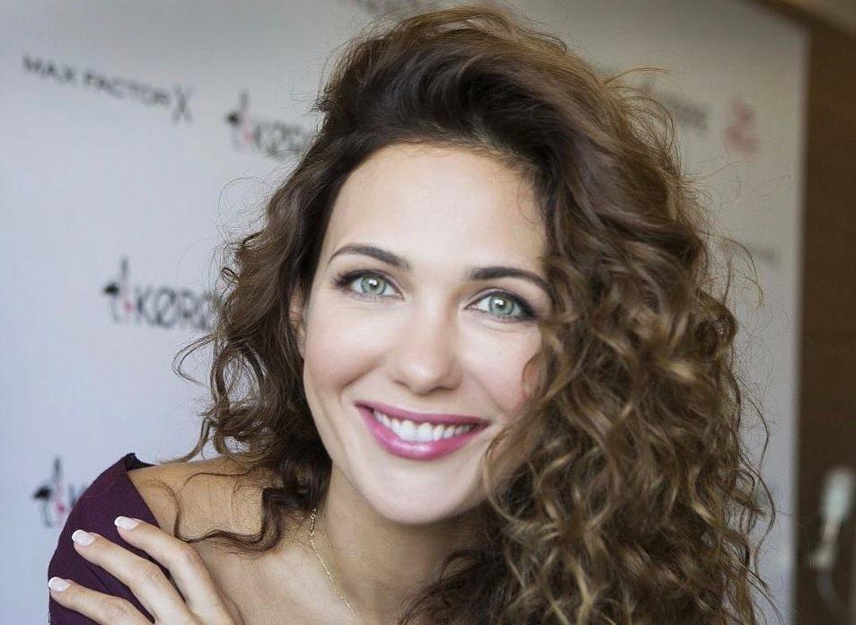 Пользователи Сети гадают, на кого похожа младшая дочь Екатерины Климовой