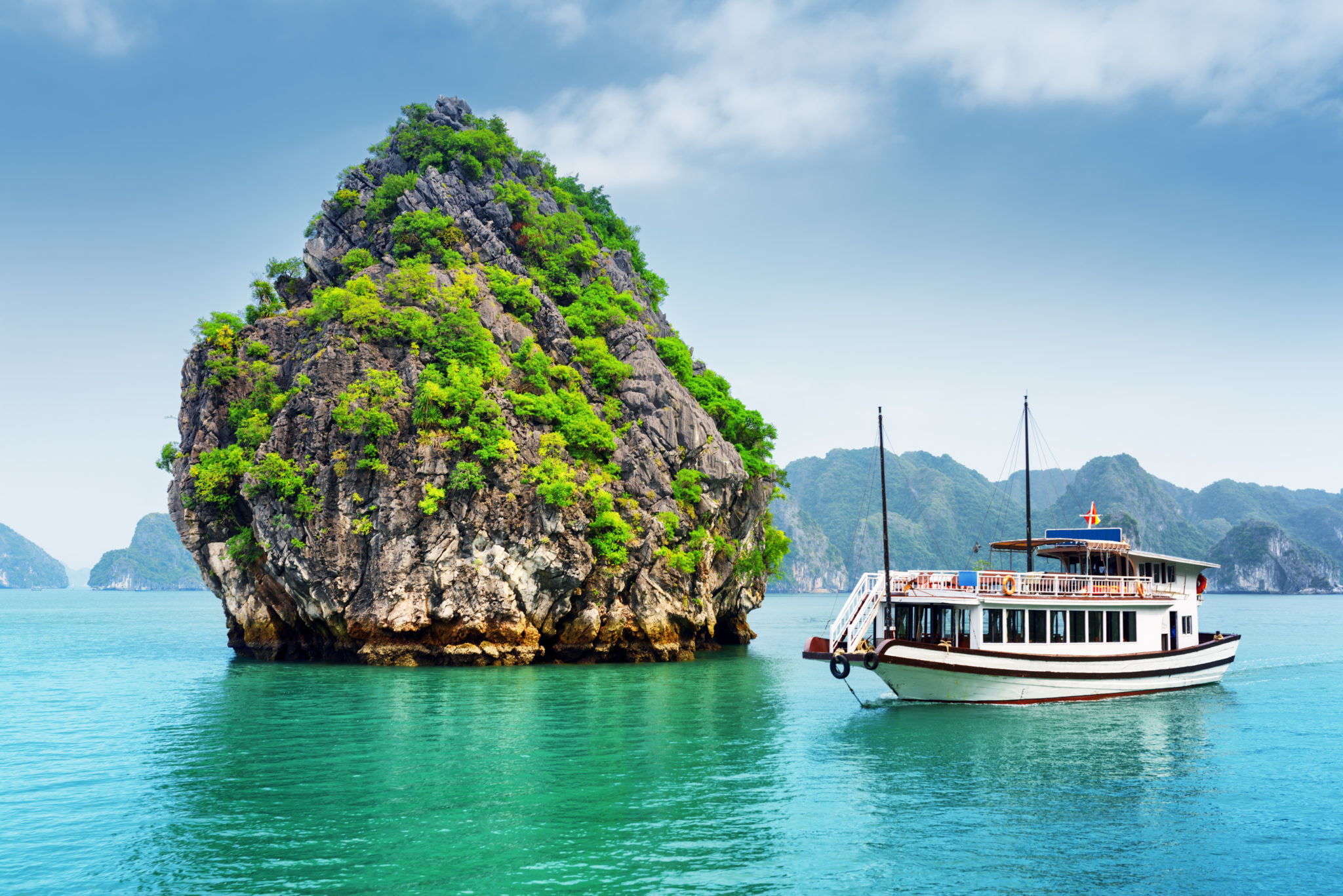 Во Вьетнам на неделю: как добраться, что посмотреть и чем заняться?