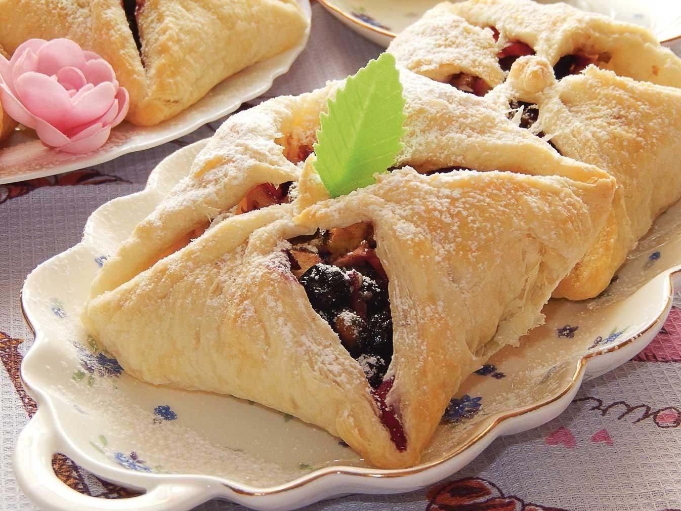 Пирожки с ягодной начинкой