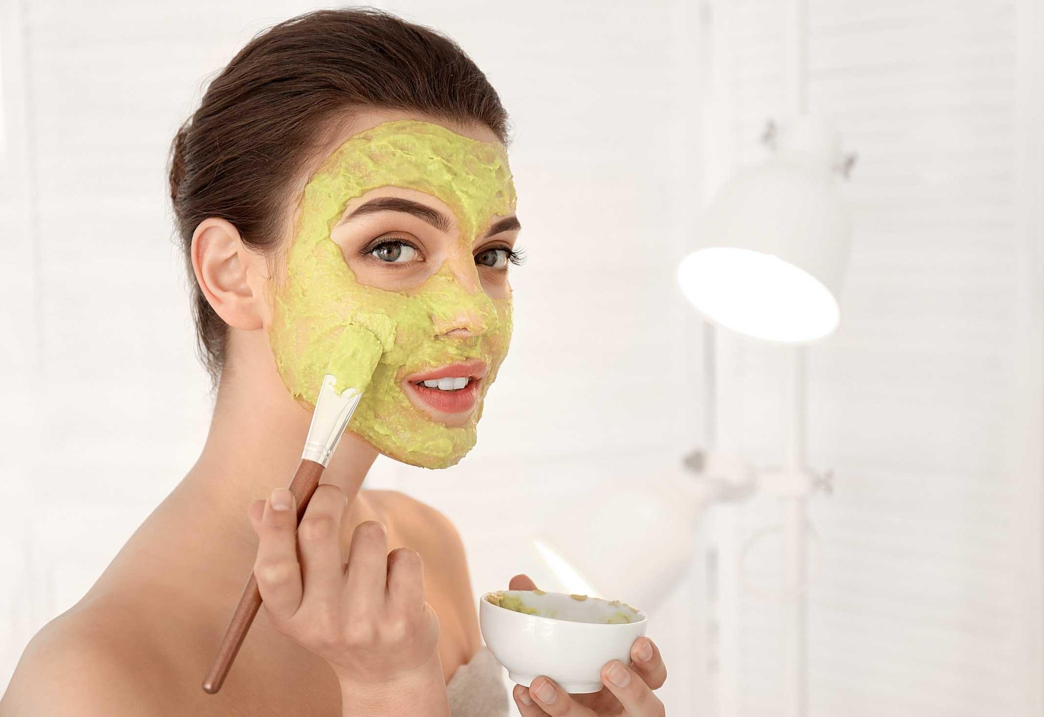 Рецепты красоты: 4 маски для лица из кабачков