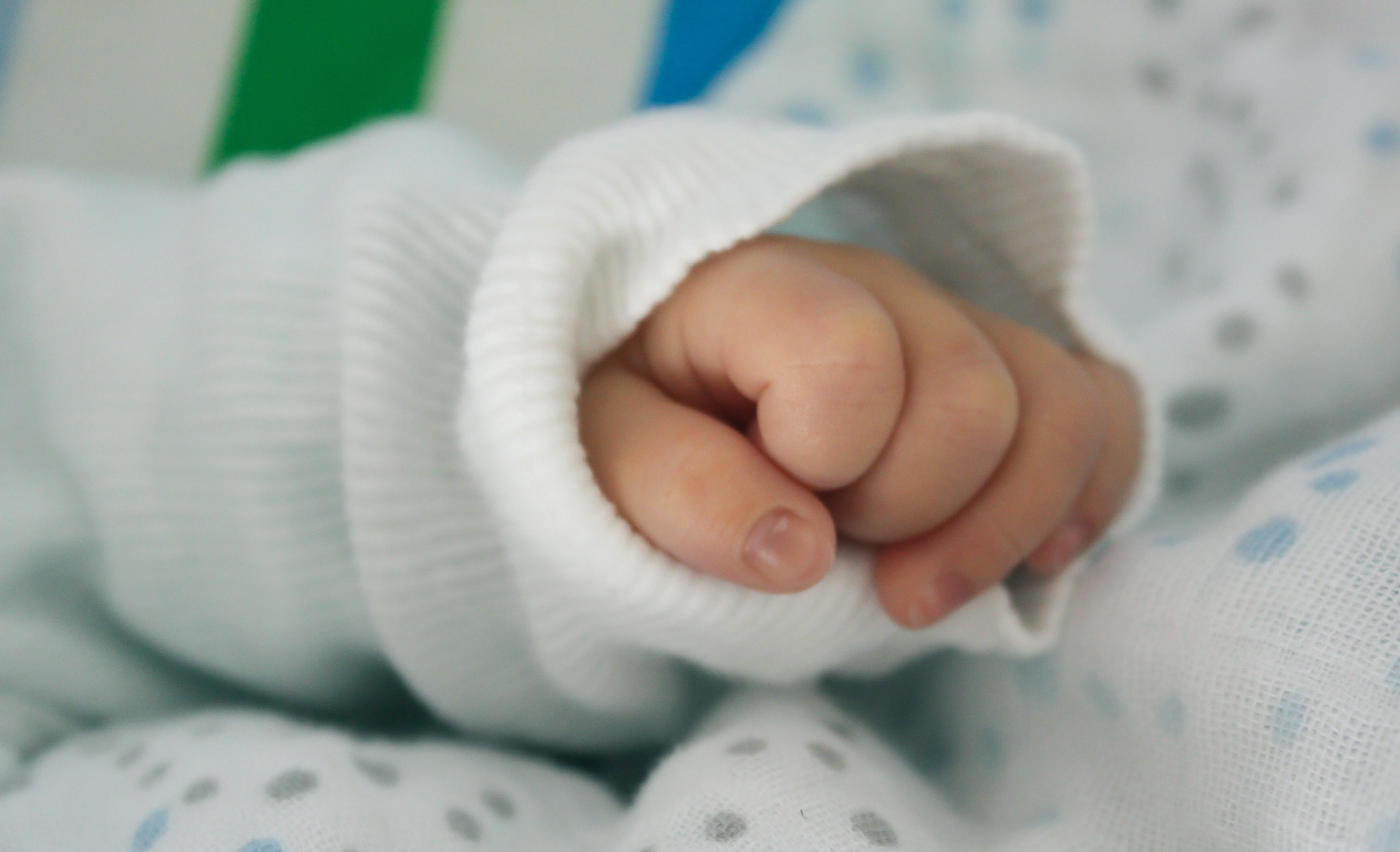 Как правильно стричь ногти ребенку?