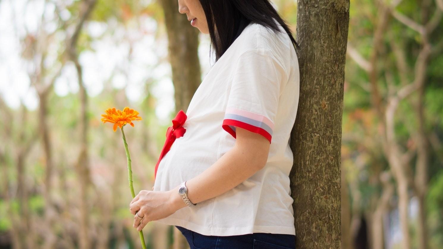 Симптомы на ранних сроках беременности: чего стоит бояться?