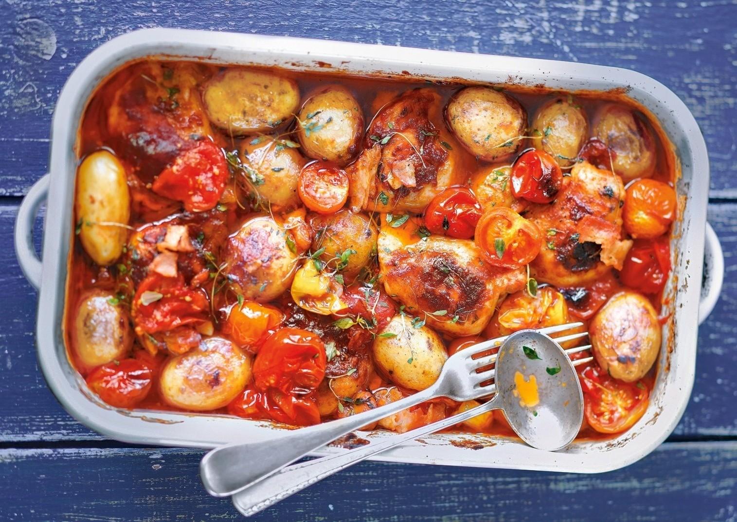 Сезон томатов: 4 рецепта блюд с помидорами