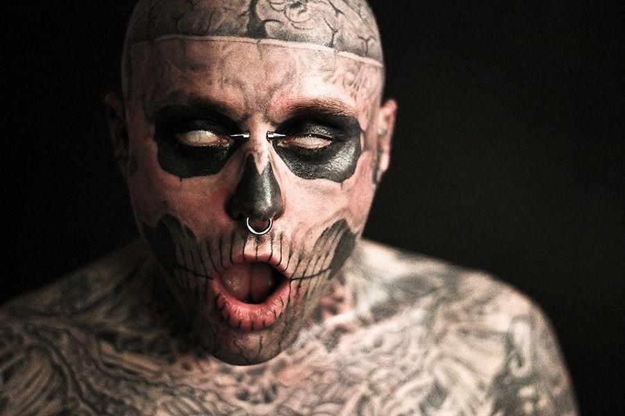 Самый татуированный человек покончил с собой и оставил мистическое послание
