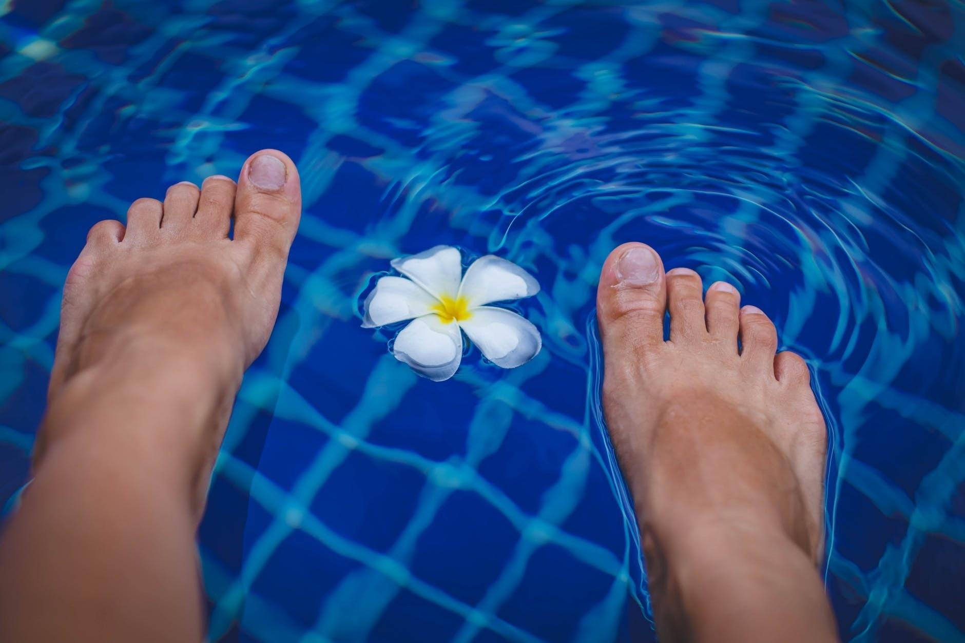 Вросший ноготь: причины и лечение