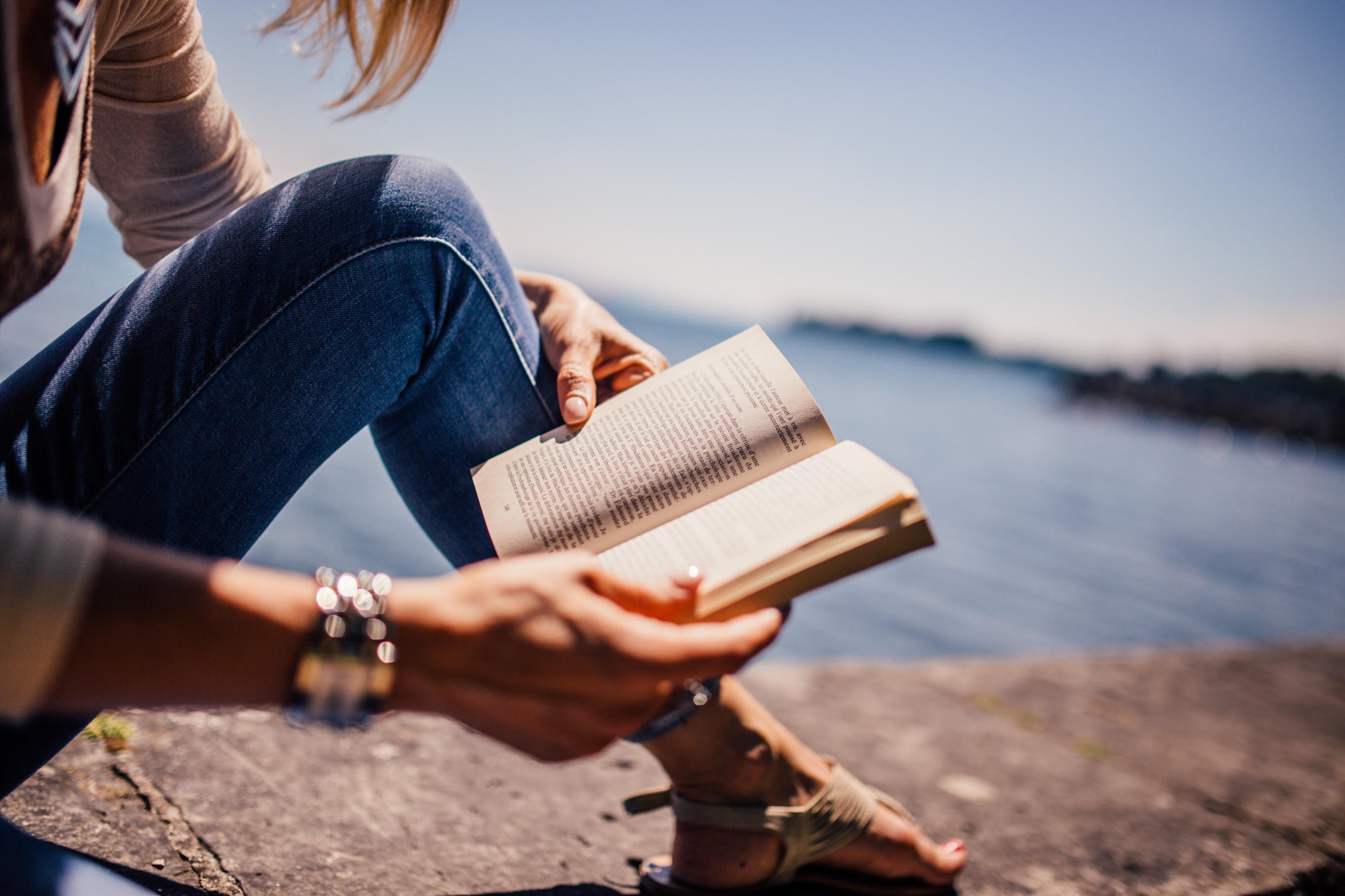 Топ-5 книг о том, как выйти замуж (и продержаться там подольше)