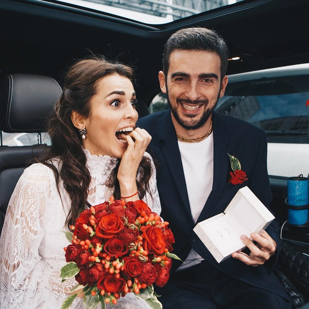 «Каково жить с итальянцем?»: Сати Казанова отпраздновала первую годовщину свадьбы с мужем