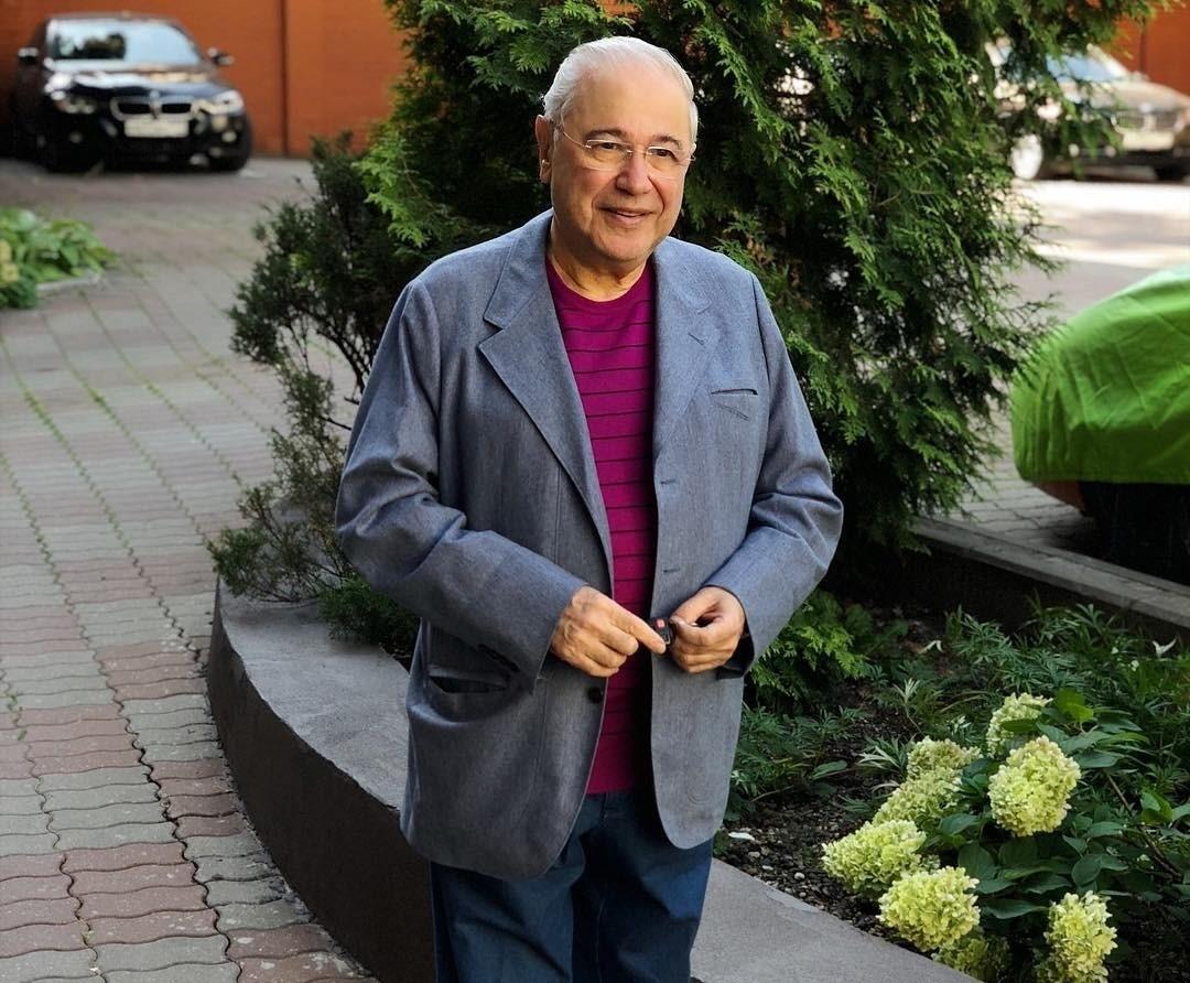 У 72-летнего Евгения Петросяна объявился внебрачный сын