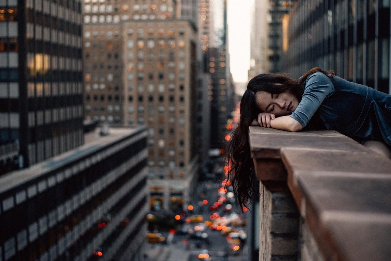 Почему постоянно хочется спать?