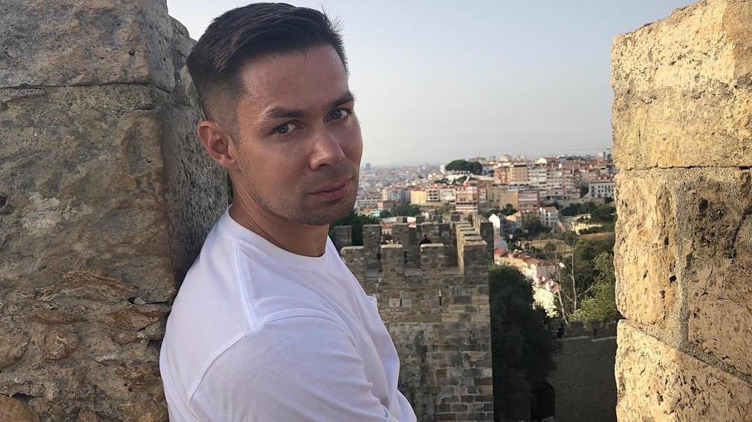 «Я только учусь быть отцом»: Стас Пьеха рассказал об отношениях с сыном и своем новом романе