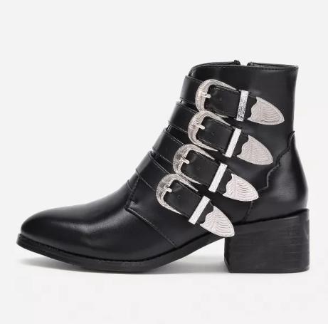 Ботинки с металлическими застежками