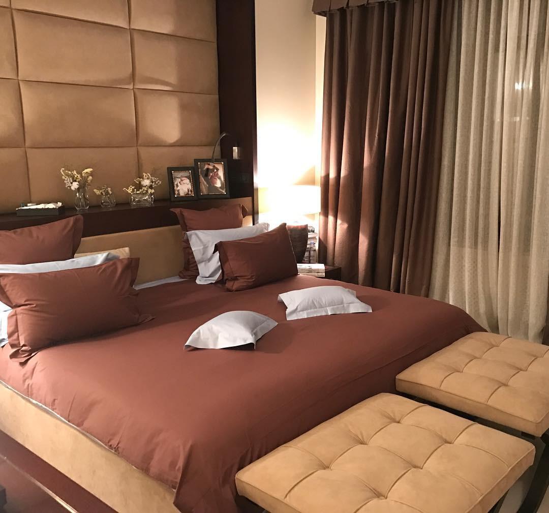 А это чудесная спальня принадлежит бывшему кандидату впрезиденты, журналисту ишоу-вумен, Ксении Анатольевне Собчак. Ну что тут скажешь, роскошно! Как ився жизнь этой дерзкой, противоре...