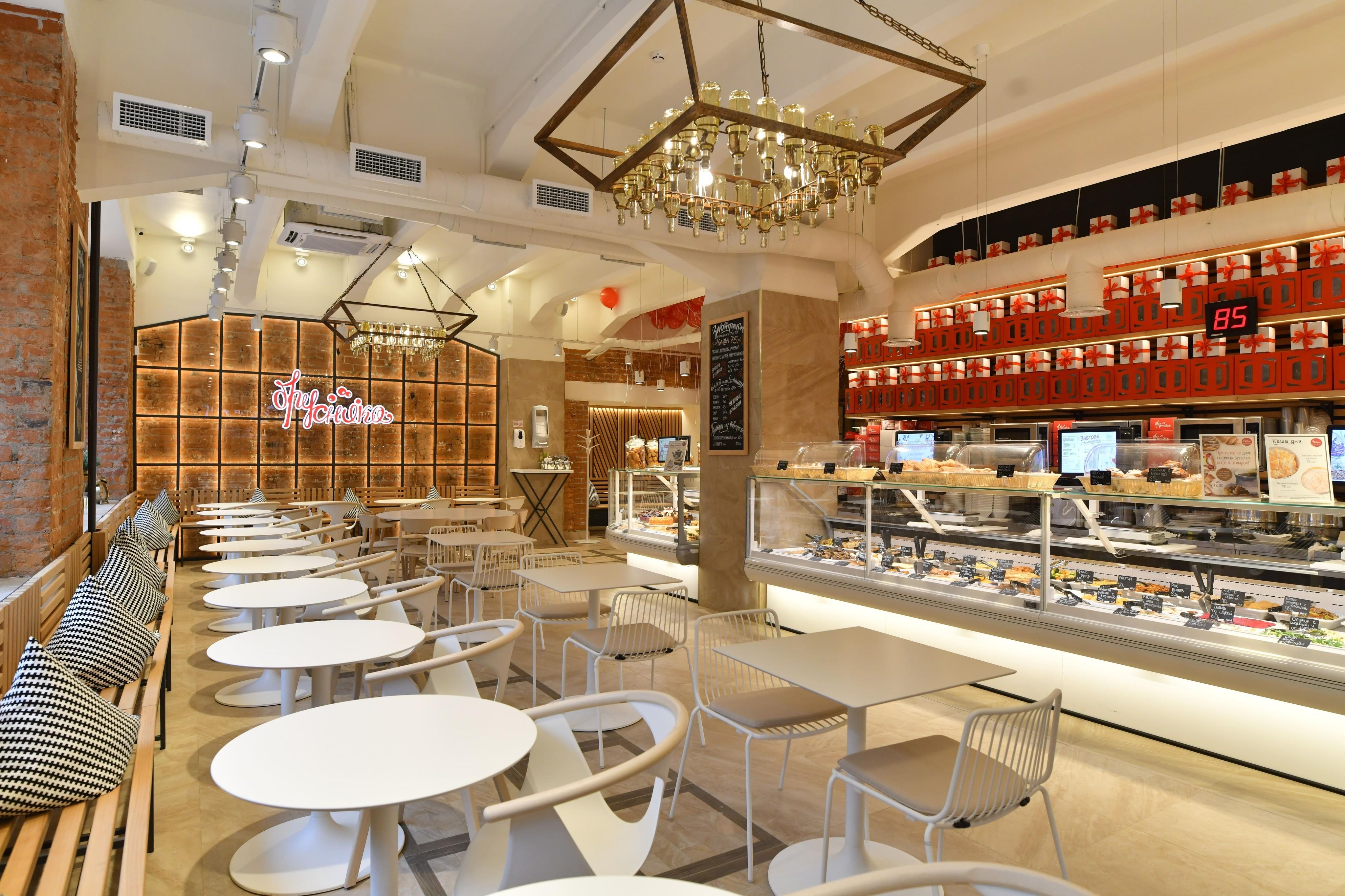В центре Москвы открылась кондитерская-кулинария «Брусника»