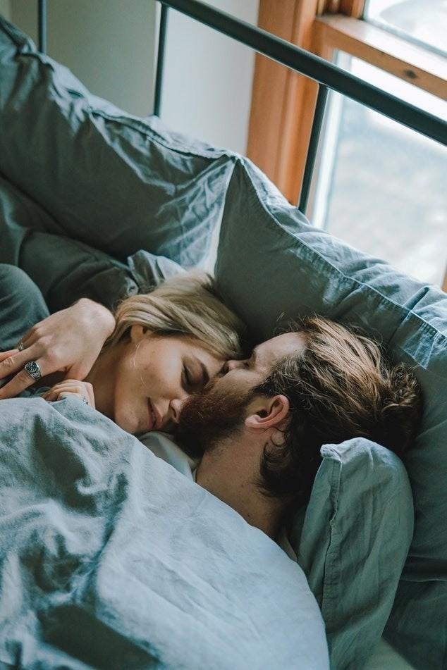С шести досеми утра внутри тебя срабатывает биологический«будильник» - активизируется обмен веществ. Самое время заняться физической нагрузкой иобогатить организм кислородом. Но неспе...