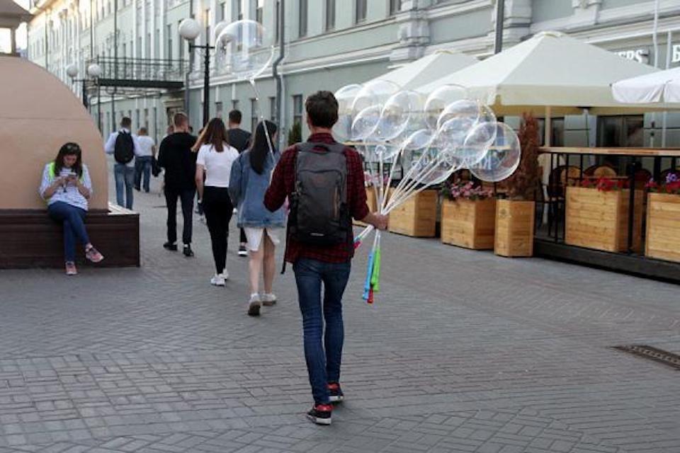Российский школьник за каникулы заработал 300 тысяч рублей