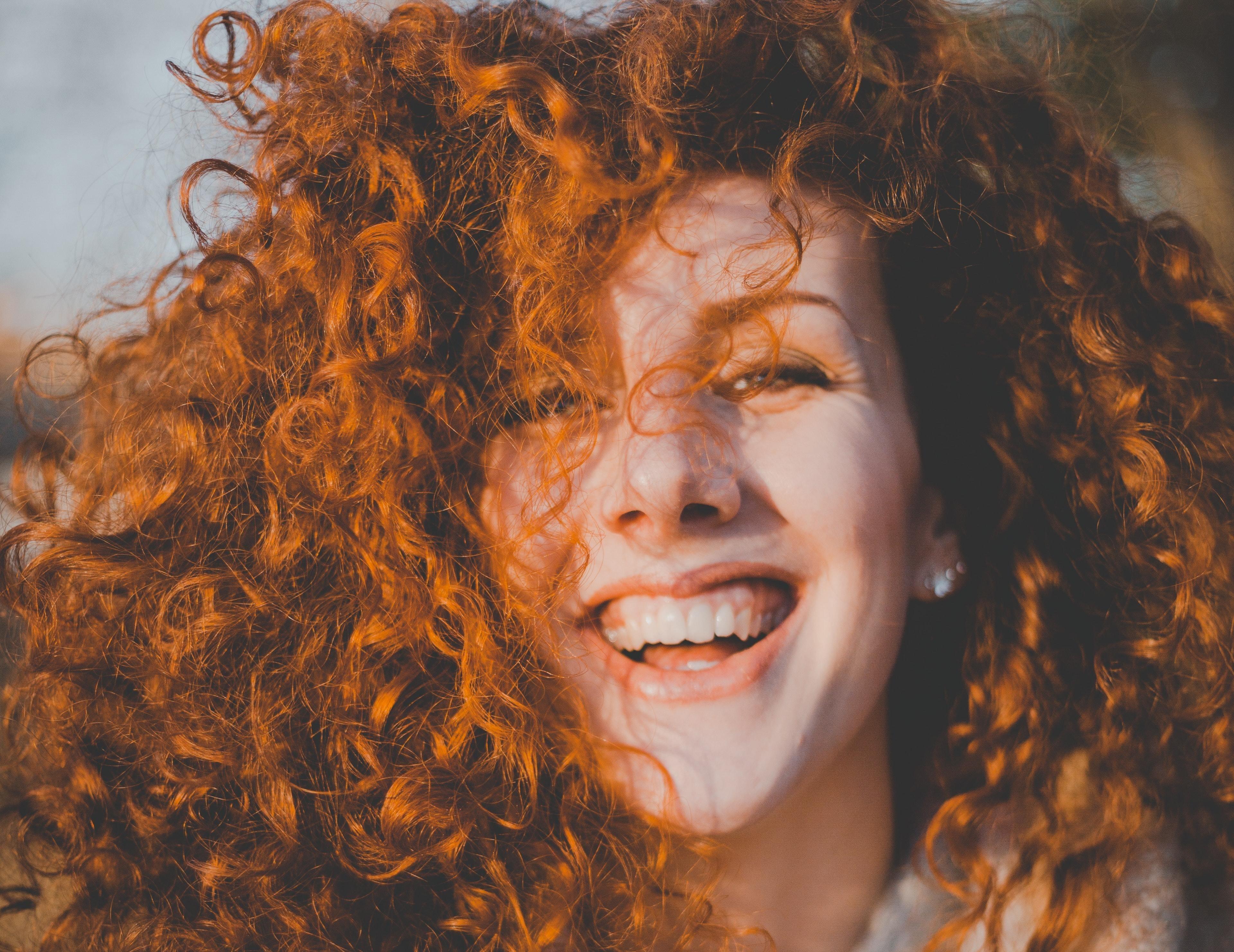 Как визуально уменьшить нос с помощью прически? Советы стилиста