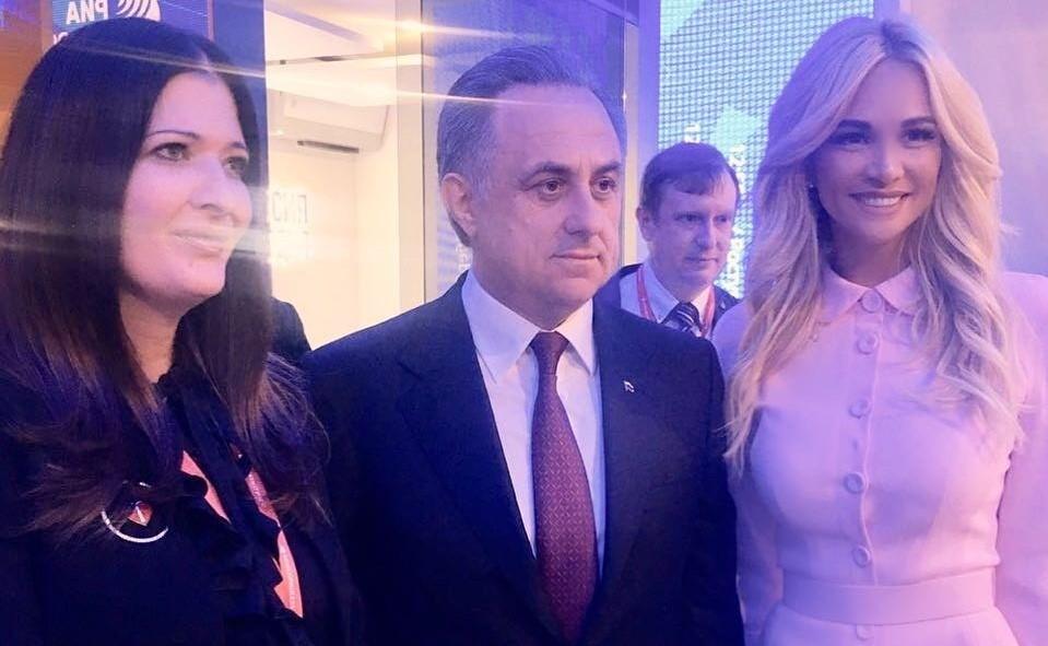 «А как же Басков?»: Викторию Лопыреву заподозрили в романе с политиком