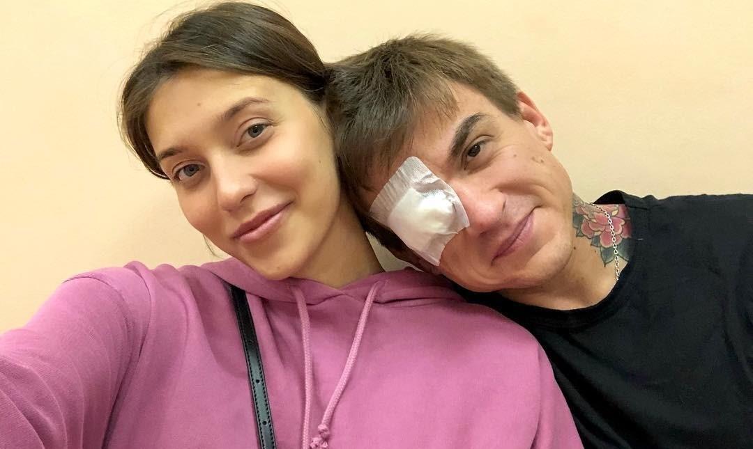 Влад Топалов получил травму, когда заслонил собой беременную Регину Тодоренко