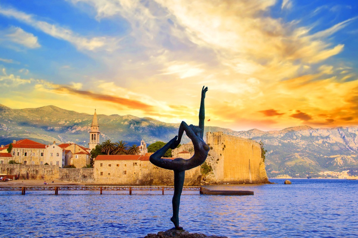 Будва – универсальный курорт Черногории. Интересно будет всем!