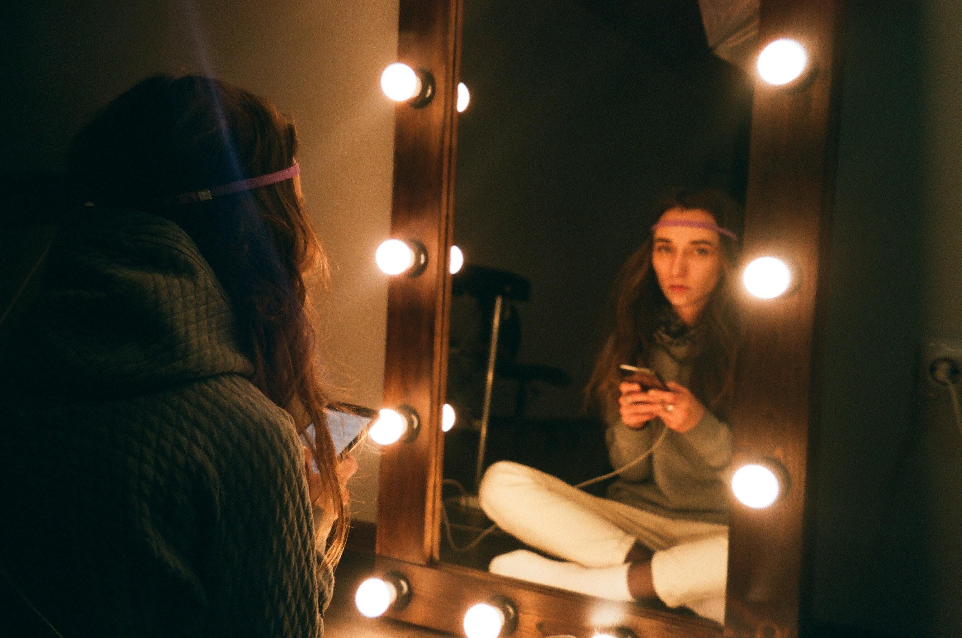 3 обряда с зеркалами, чтобы привлечь мужа