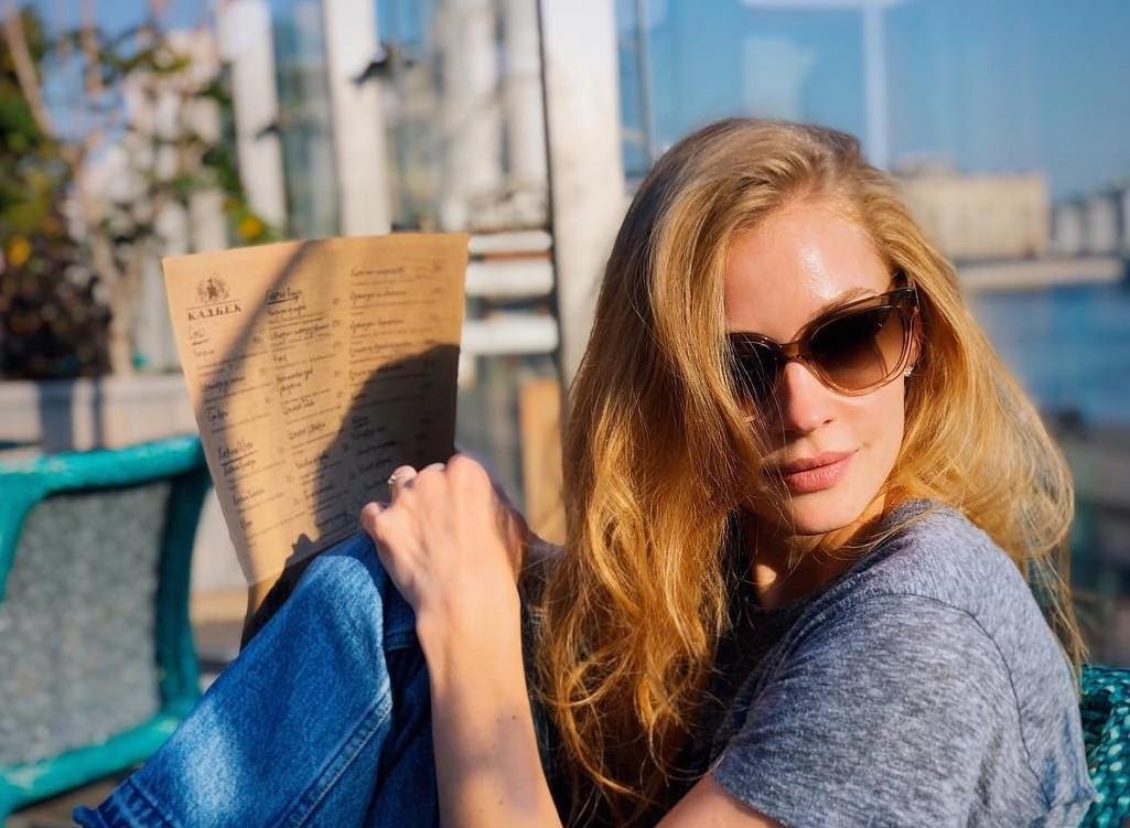 «Вылитая Одри Хепберн»: Светлану Ходченкову спутали с голливудской актрисой