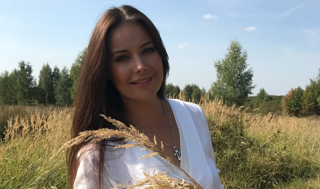 «Псковщина на горизонте!»: поклонники раскритиковали новый образ Оксаны Федоровой