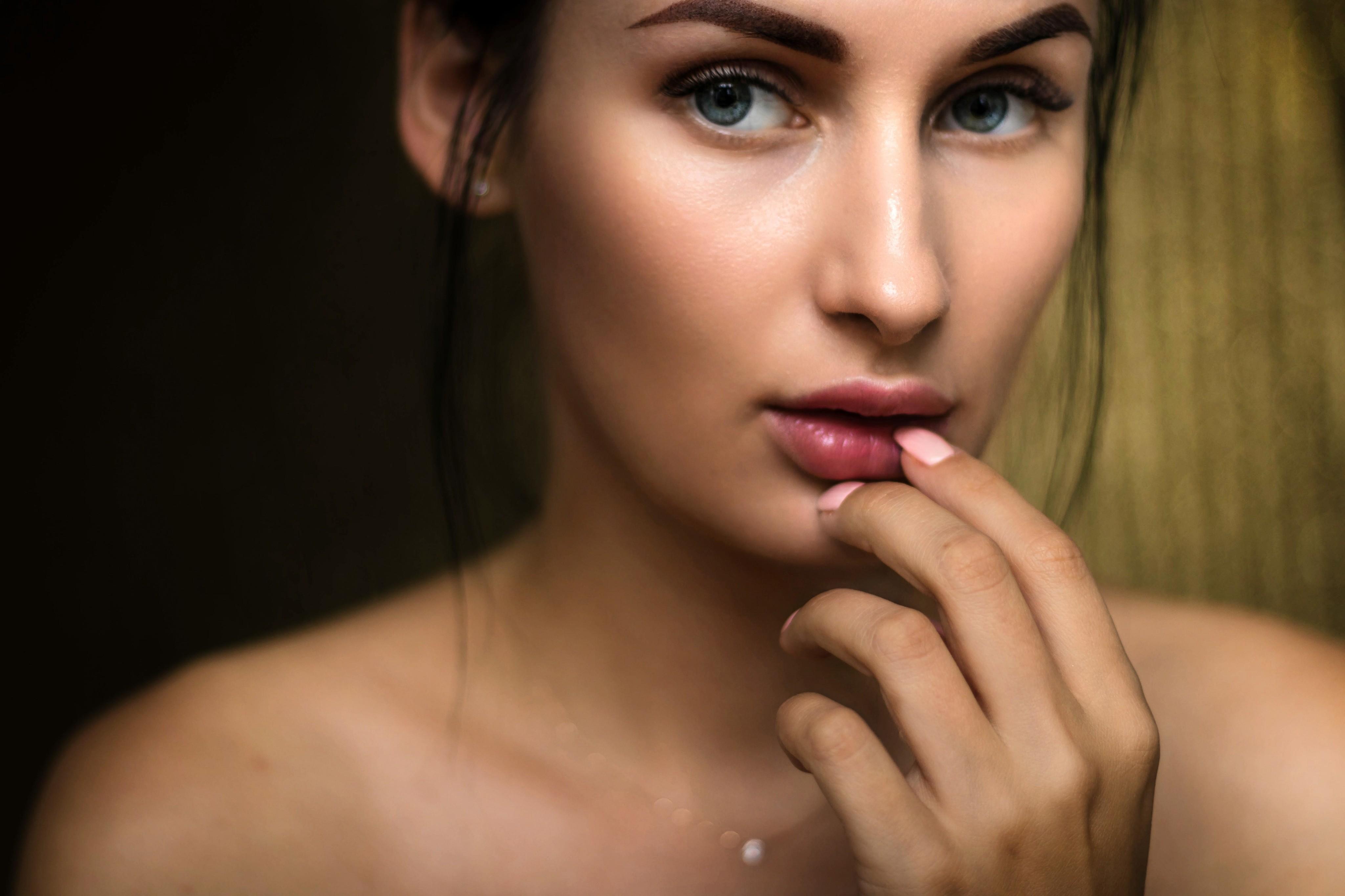 5 масок для лица, которые чередуют женщины с идеальной кожей