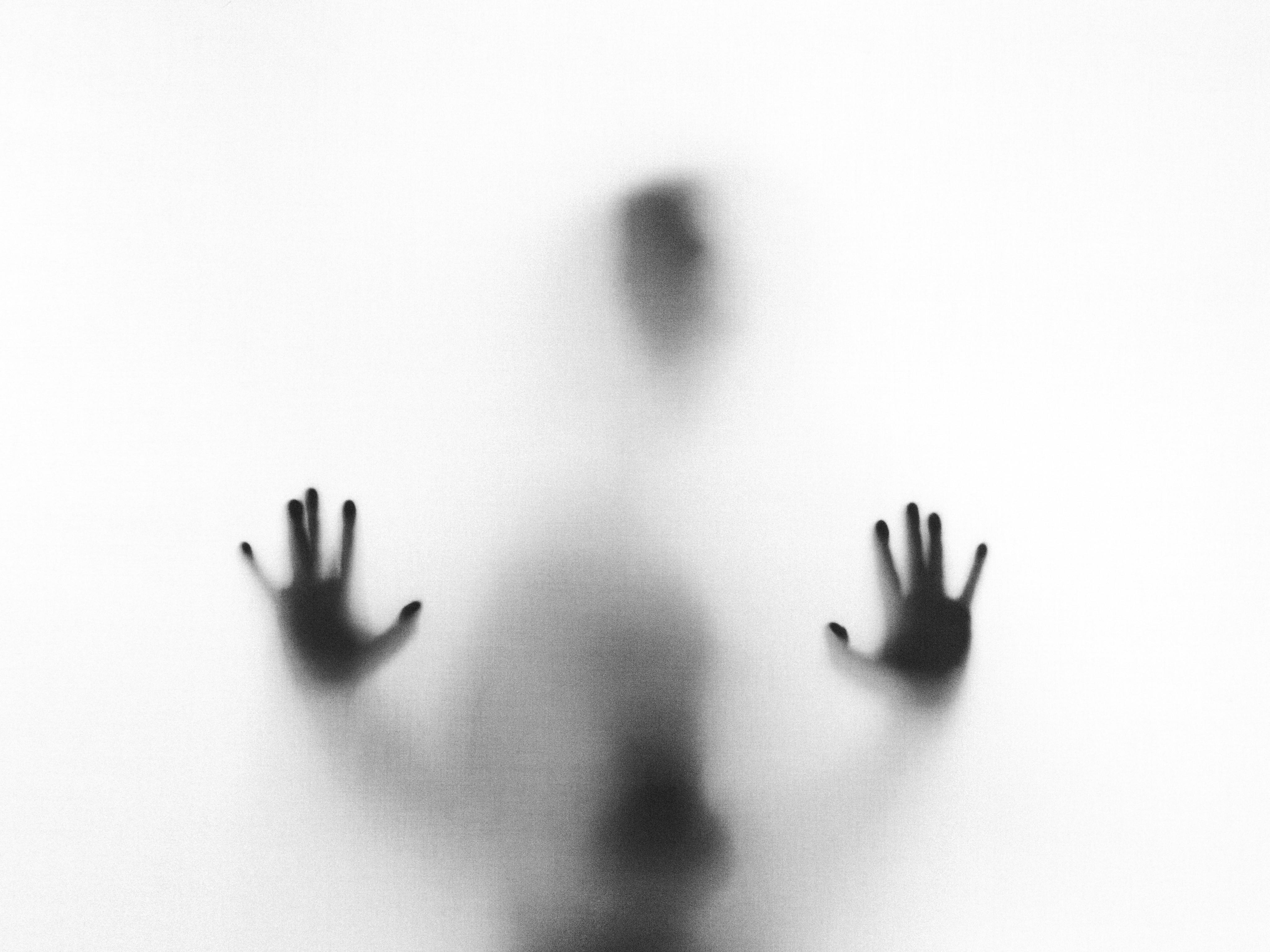 Обида вызывает рак, а страх — мочекаменную болезнь. Как на тело влияет психосоматика?