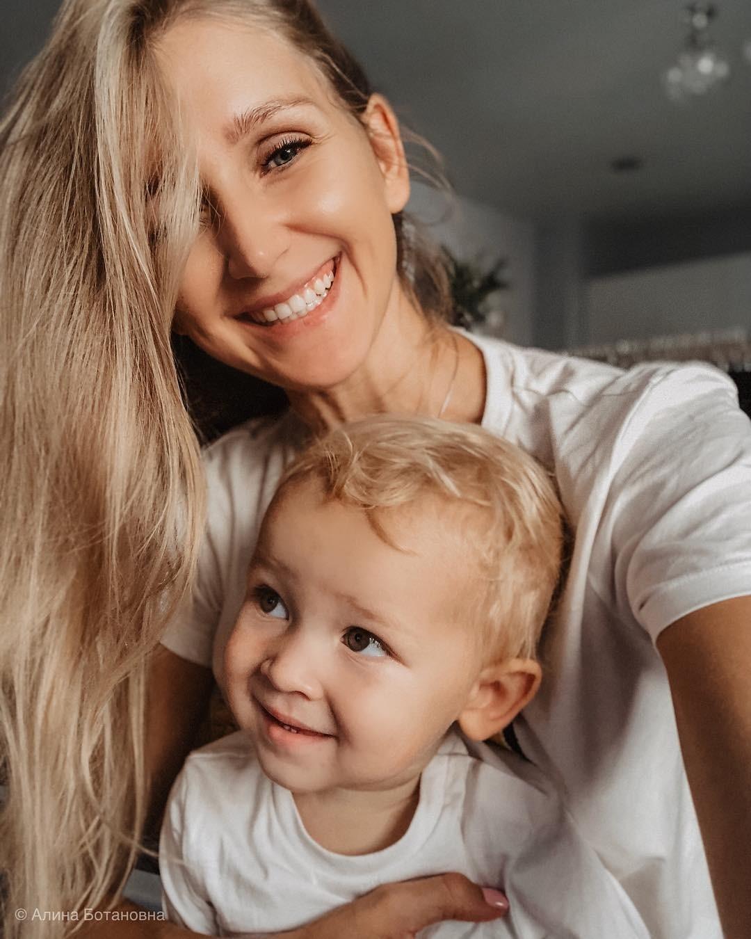 Многие родители считают, что обязанность детей — их безусловно уважать. Это верно, но только отчасти. Наделе оказывается, что часто мама ипапа неосознанно унижают малыша, неставят ни в...