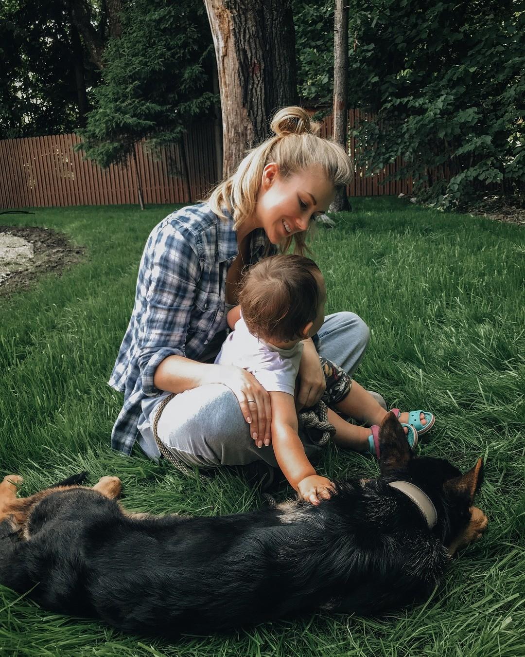 Психологи утверждают, что одна изчастых причин, покоторой люди решают завести ребенка, — это желание самоутверждения засчет своего потомства, которое достигнет большего, чем родители....