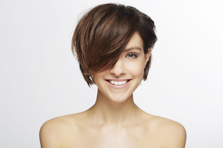 Для тебя стрижка не так важна, как состояние волос. Поэтому ты готова тратиться на новые ухаживающие средства, экономя при этом на парикмахерах. Если ты находишь прическу, с которой чувст...