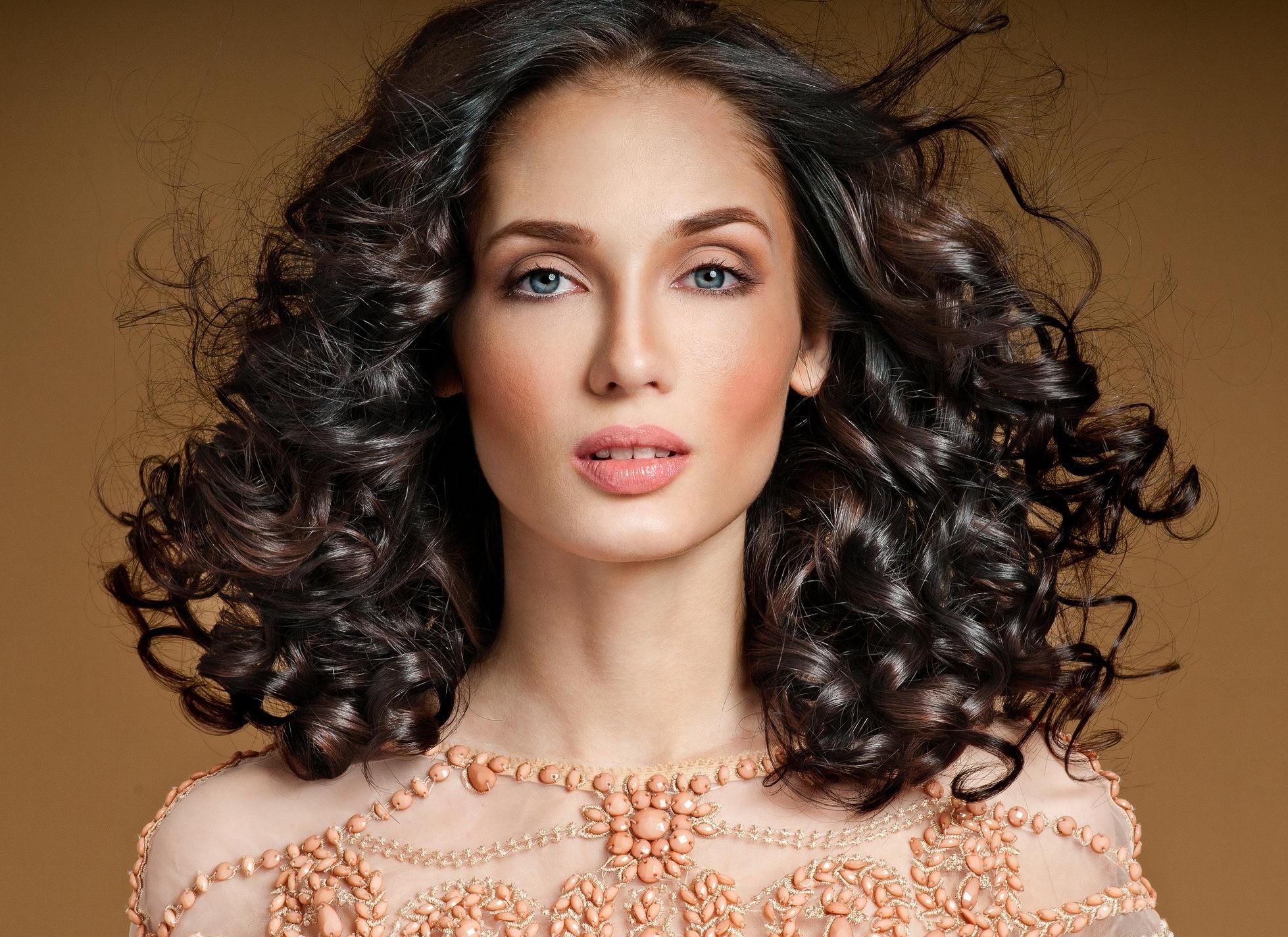 Ты по натуре романтик. Тебе подойдут средняя длина волос,женственные локоны и натуральный оттенок. Девушка-Рыба должнавыглядеть естественно, но не без шика. И лучше перестараться и сдел...