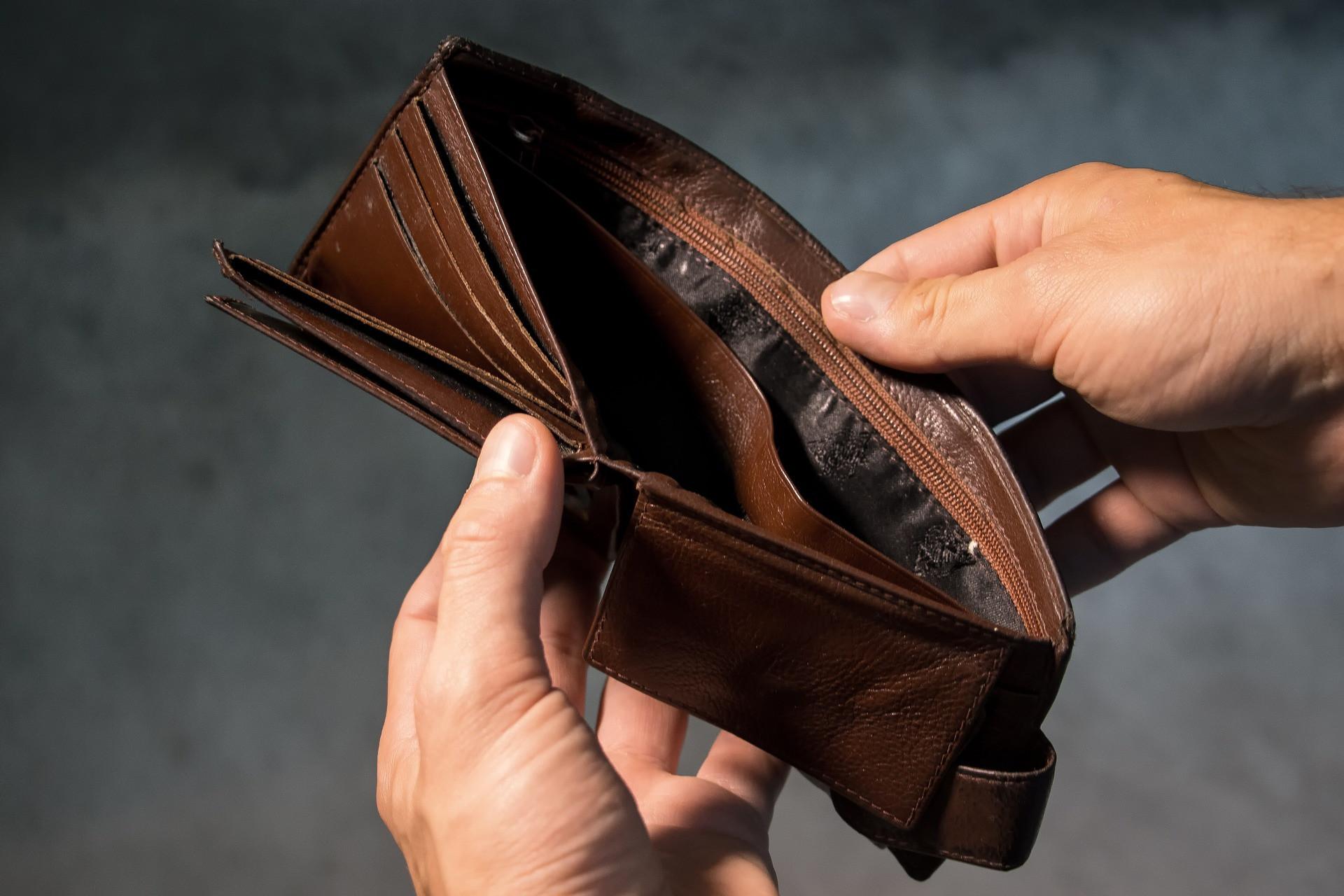 5 честных причин постоянного отсутствия денег, в которых трудно себе признаться