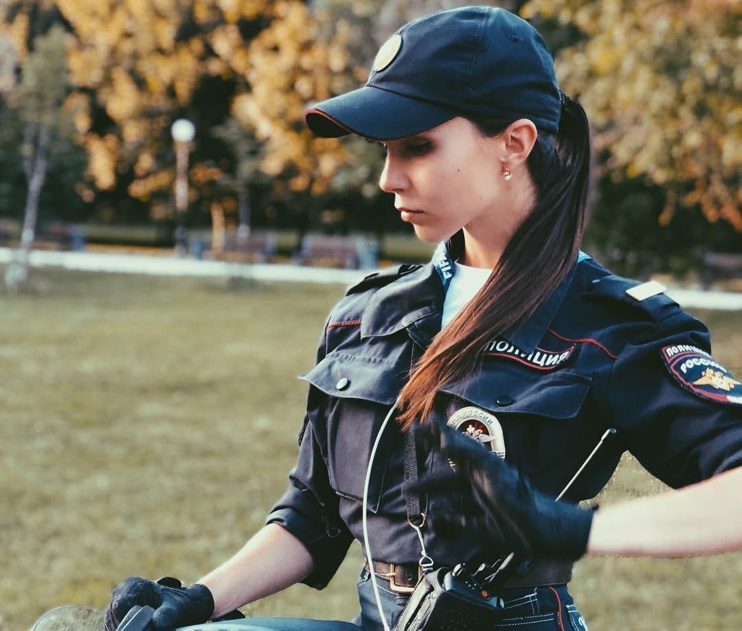 Будни девушки полицейской