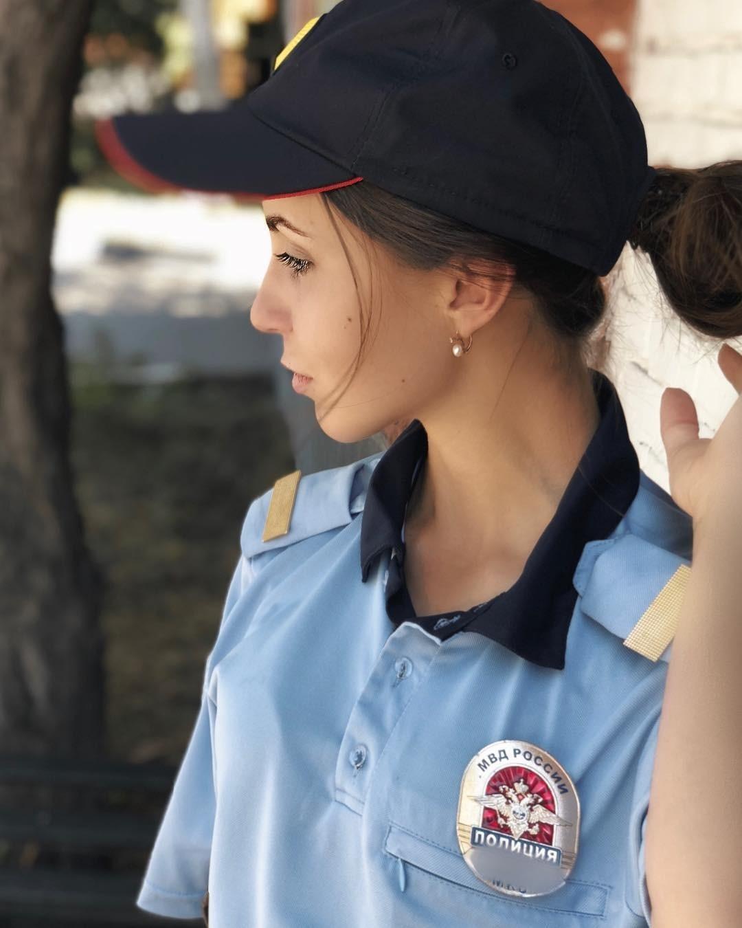Самая красивая девушка-полицейский покорила российский Instagram