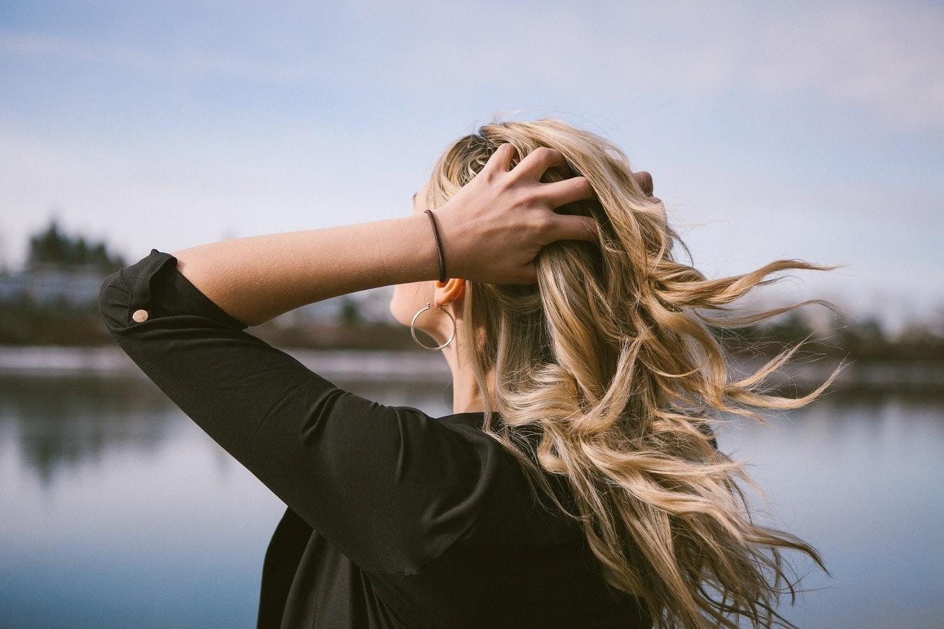 5 простых идей, как сделать прическу самой себе