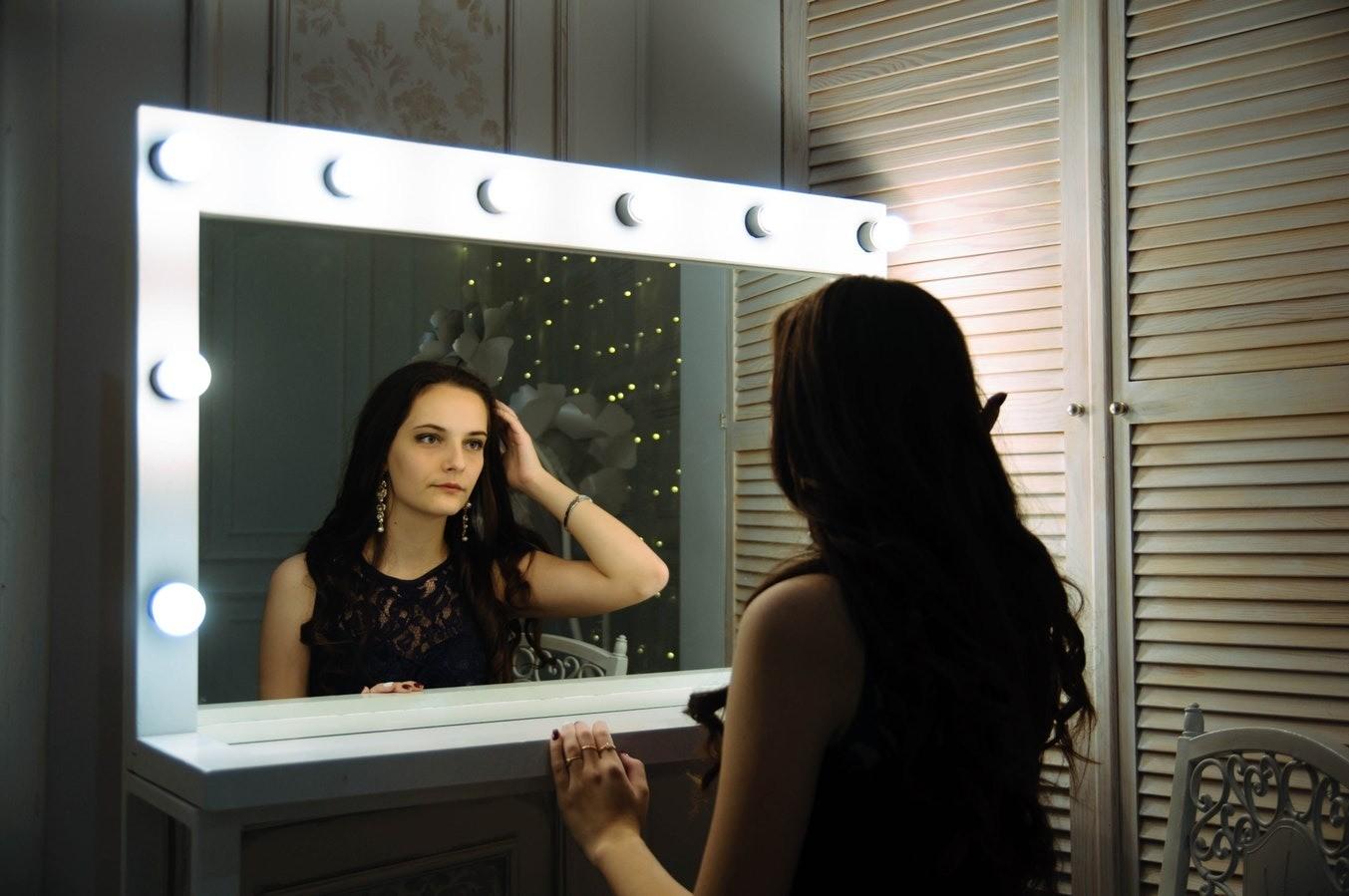 5 причин, почему не стоит спать напротив зеркала