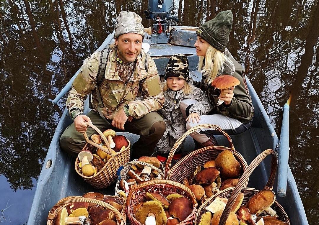 «Купила и разложила по корзинкам!»: пользователи сети обвиняют Яну Рудковскую в постановочных фото