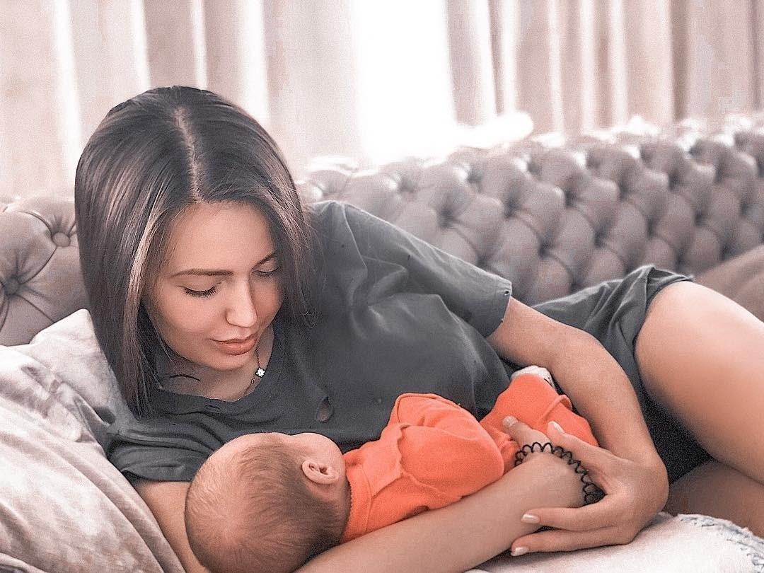 Анастасия Костенко показала лицо подросшей дочери