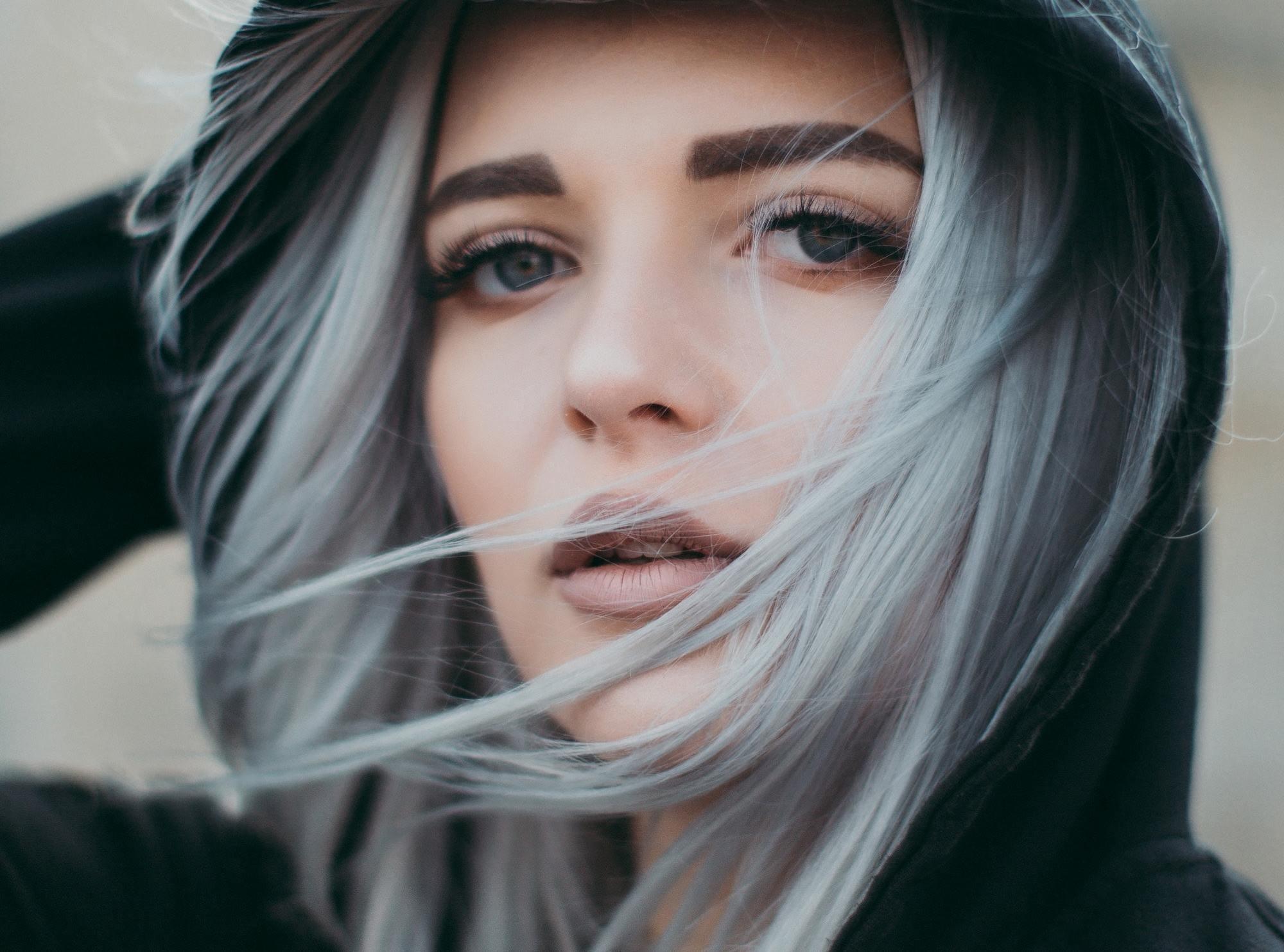 3 стрижки и окрашивания, которые сделают пухлое лицо визуально стройнее