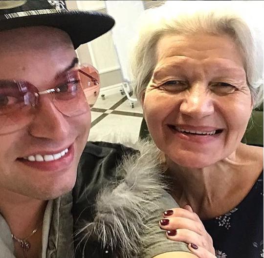 Гоген Солнцев обвинил жену-пенсионерку в алкогольной зависимости