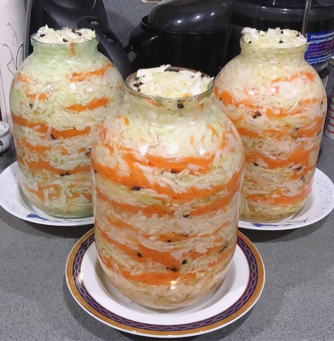 Квасим капусту на зиму: 5 рецептов, чтобы хрустела