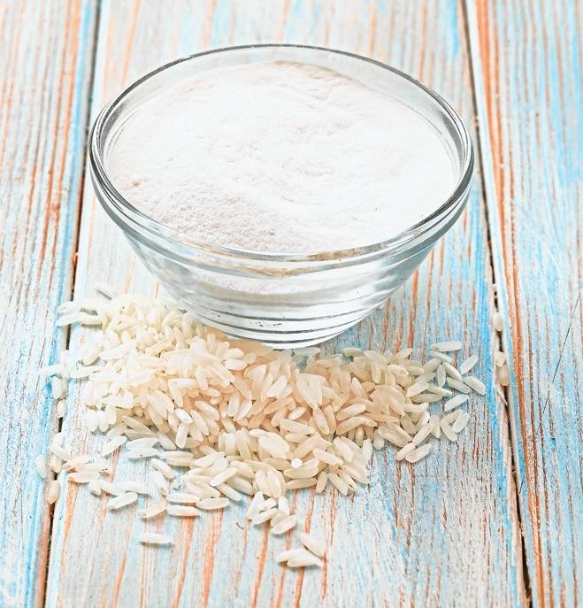 Широко распространенный компонент многих блюд азиатской кухни: из нее готовят лапшу, лепешки, хлеб. Рисовую муку следует использовать в смеси с другими видами, иначе выпечка получится сли...