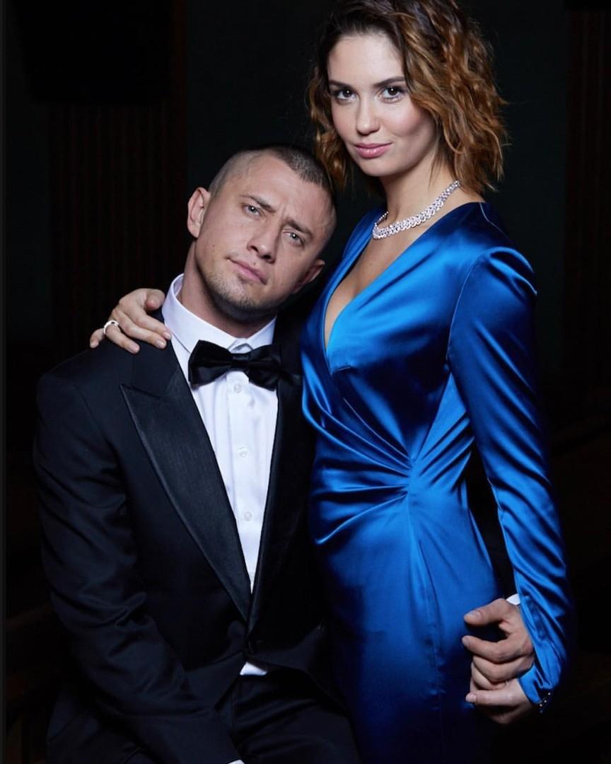 Павел Прилучный избил свою жену Агату Муцениеце