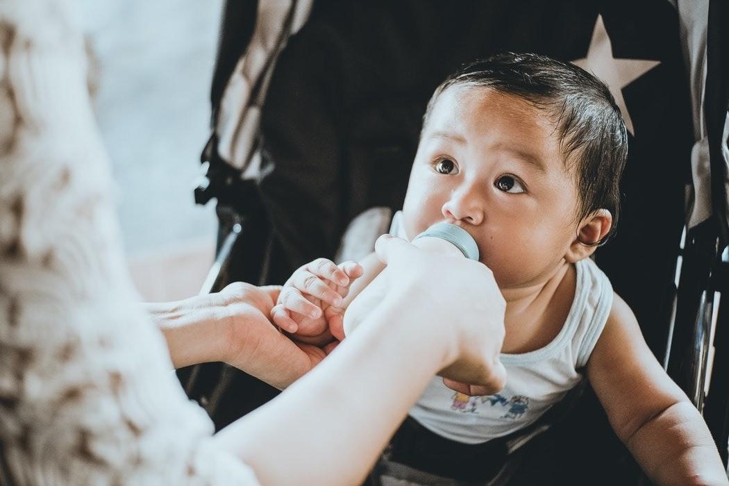 Как стерилизовать детские бутылочки в домашних условиях: рекомендации и доступные способы