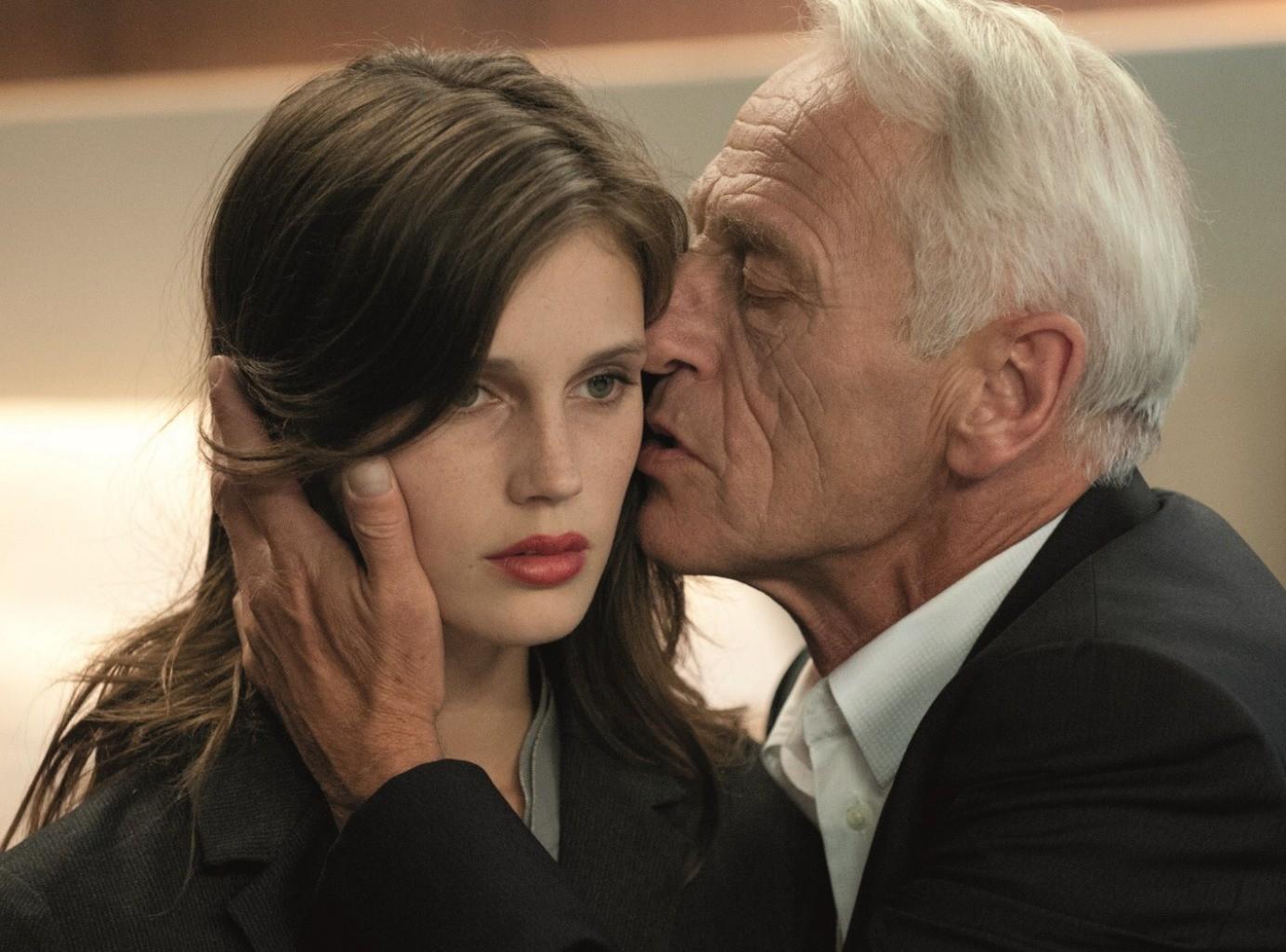 Большая разница: 8 доводов за и против отношений, когда мужчина сильно старше