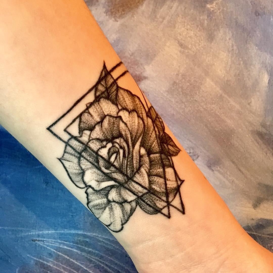 Как выбрать татуировку по знаку Зодиака?